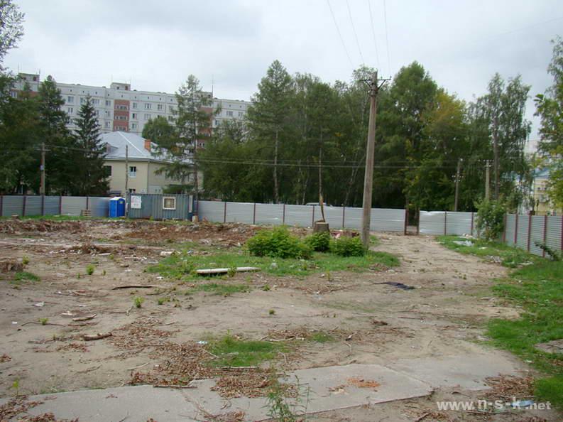 Океанская, 4 (12 стр) III кв. 2012