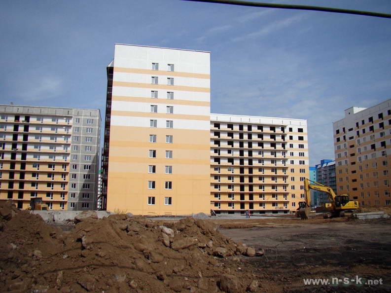 Татьяны Снежиной, 25/2 (Высоцкого, 53 стр) III кв. 2012