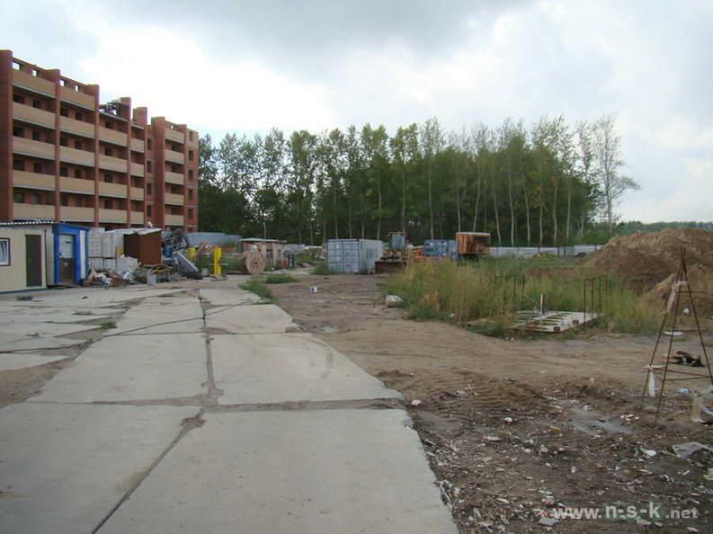 Гребенщикова, 6 (Свечникова, 1 стр) III кв. 2012
