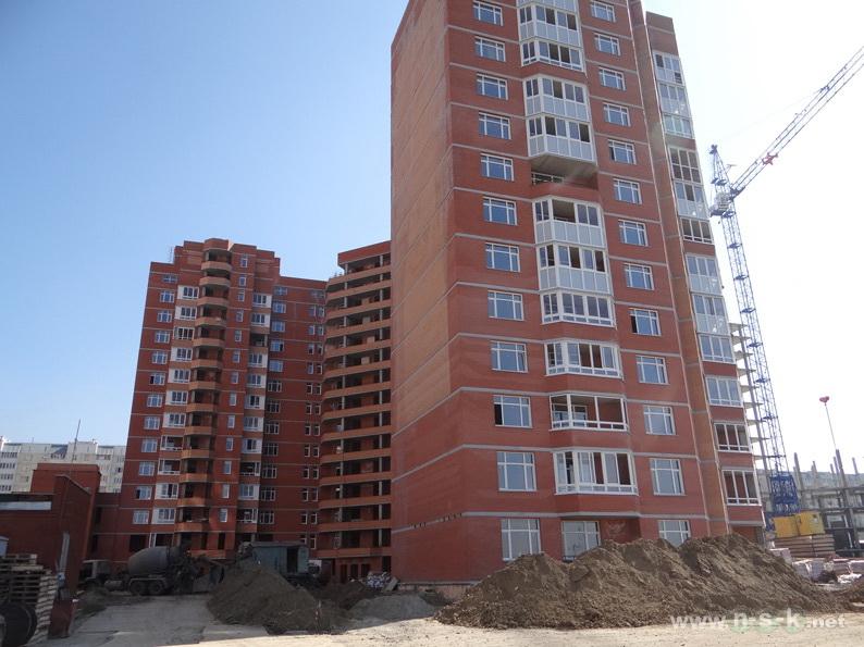 Высоцкого, 49 III кв. 2013
