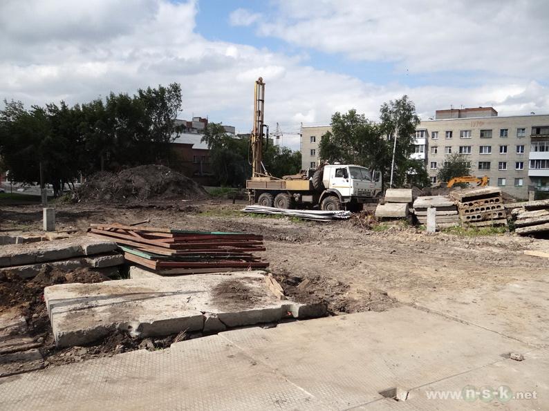 Беловежская, 4/1 (8/2 стр) III кв. 2013