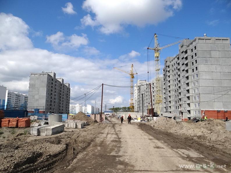 Титова, 238/2 (26 стр) III кв. 2013