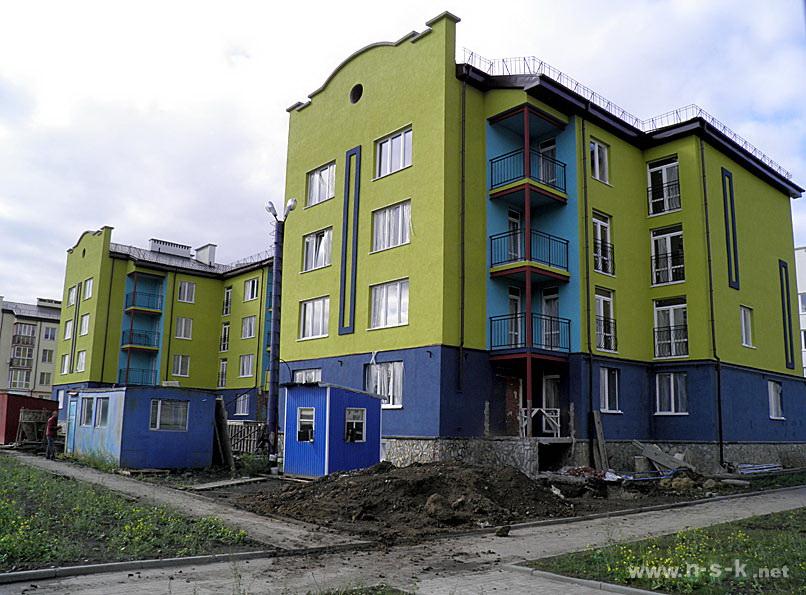 Краснообск, 6-й микрорайон, 3/3 III кв. 2014