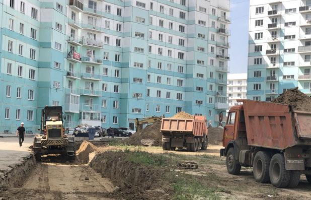 Высоцкого, 139, 140, 150 стр фото со стройки лето-осень 2020