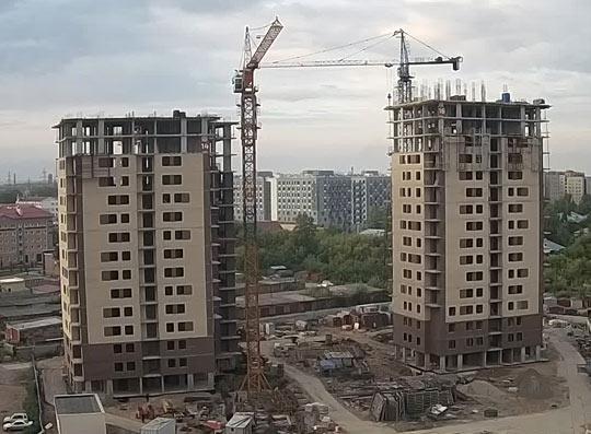Курчатова, 13 фото со стройки лето-осень 2020