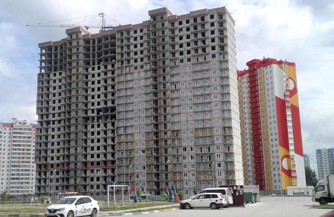 Петухова, 105 фото со стройки лето-осень 2020