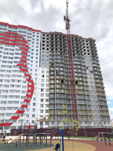 Петухова, 105 фото со стройки август 2021