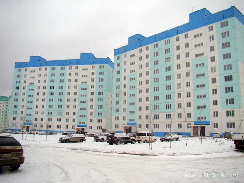 Татьяны Снежиной, 41/1 (Высоцкого, 37) IV кв. 2011