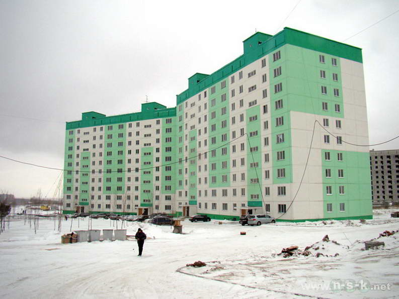 Татьяны Снежиной, 39/1 (Высоцкого, 35, 35а, 38, 38а) IV кв. 2011