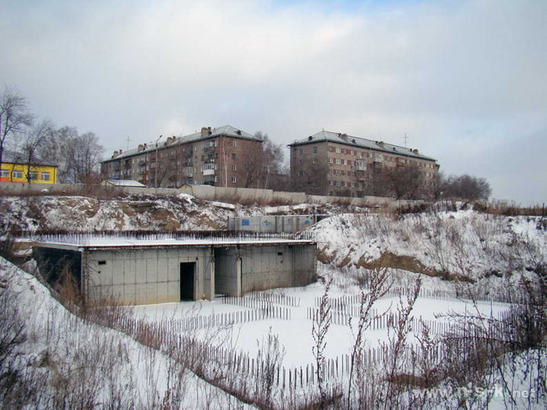 Ипподромская, 75 (Танковая, 1) IV кв. 2011