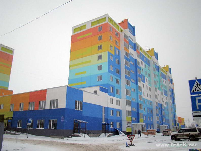 Сибиряков-Гвардейцев, 82 IV кв. 2012