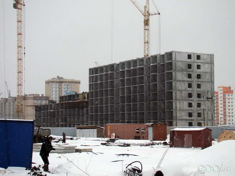 Виктора Уса, 11 (Петухова, 12/12 стр) IV кв. 2012