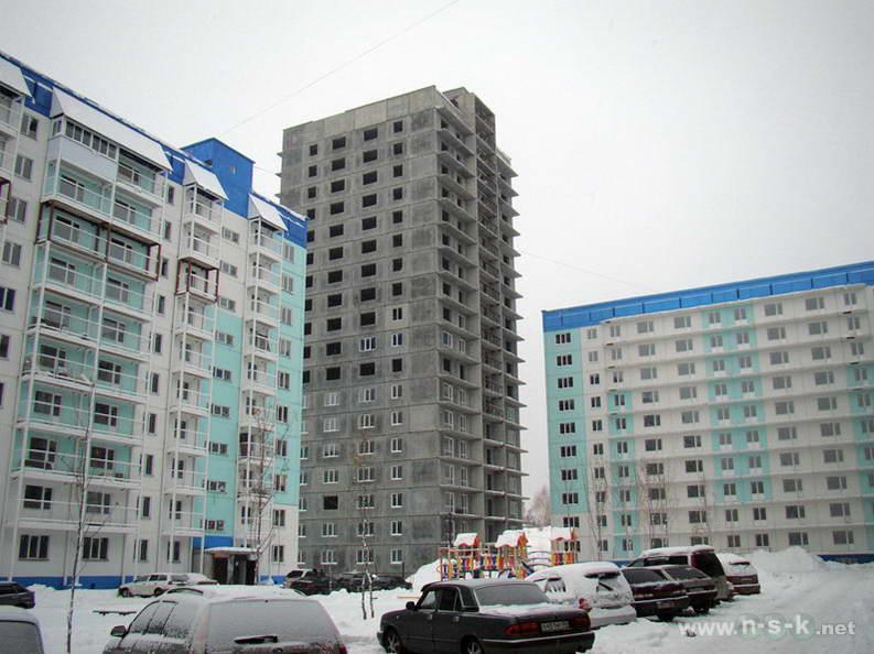 Татьяны Снежиной, 31/5, 31/3 (Высоцкого, 64, 65) IV кв. 2012