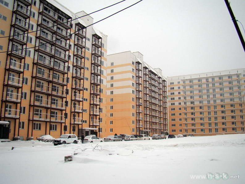 Татьяны Снежиной, 25 (Высоцкого, 50, 51 стр) IV кв. 2012