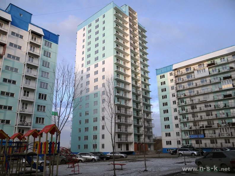 Татьяны Снежиной, 31/5, 31/3 (Высоцкого, 64, 65) IV кв. 2013