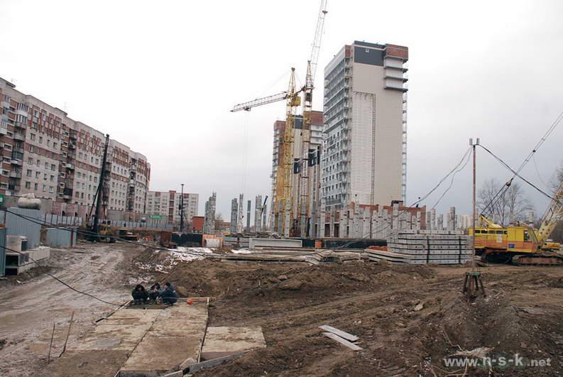 Сибиряков-Гвардейцев, 44/7 IV кв. 2013