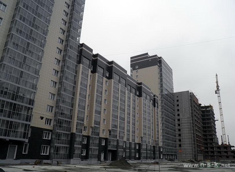 Сибиряков-Гвардейцев, 44/7 IV кв. 2014