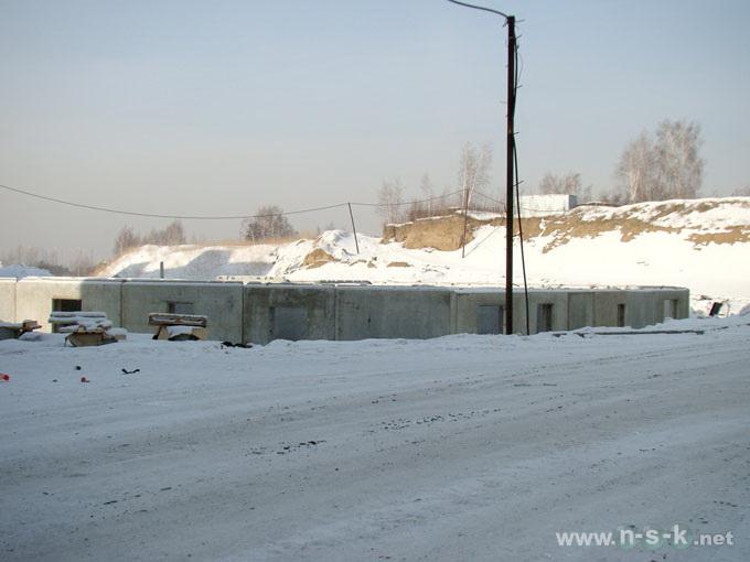 Татьяны Снежиной, 31/5, 31/3 (Высоцкого, 64, 65) I кв. 2012