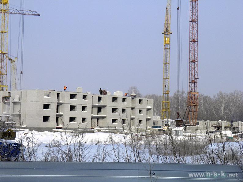 Краснообск, 204/2 (204/3 стр) I кв. 2014